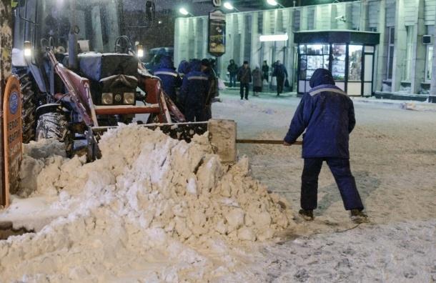 Из Петербурга вывезли более 16,5 тысяч кубометров снега