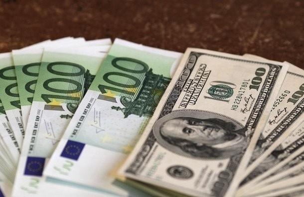 Рубль снова растет