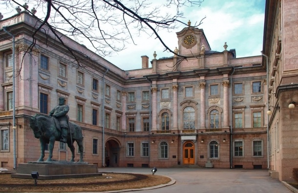 Биеннале в Мраморном дворце соберет фотографов со всей России