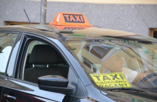 В Пулково проверили таксистов
