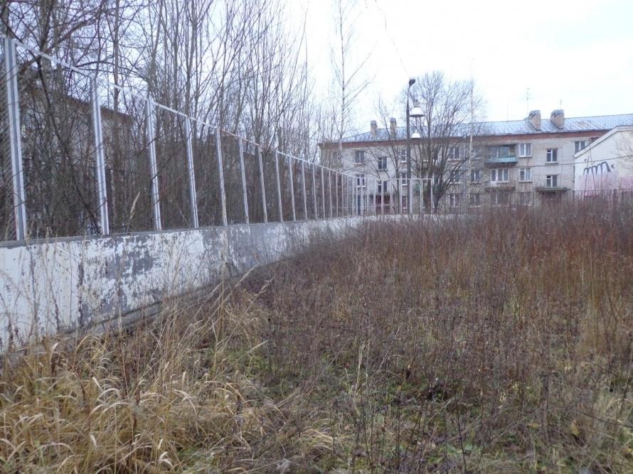 Заброшенный каток в Красносельском районе