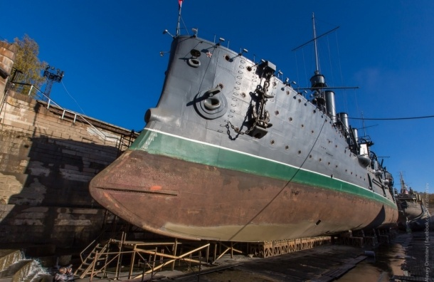 Крейсер «Аврора» вернется на место стоянки до лета 2016 года