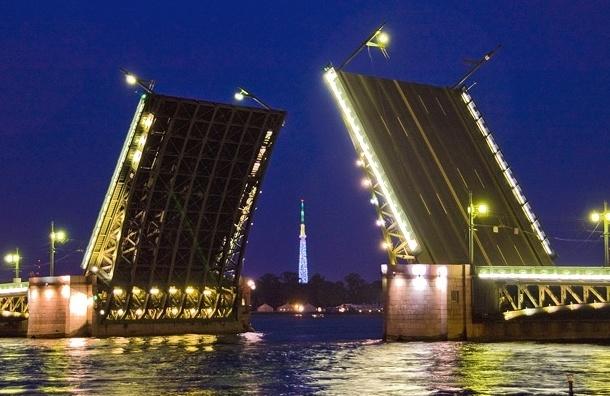 В Петербурге официально закрылась навигация