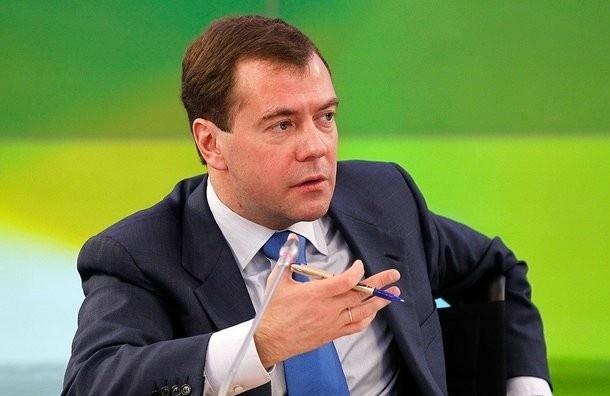 Дмитрий Медведев подписал постановление о выделении дополнительных  средств на трассу  «Москва – Санкт-Петербург»