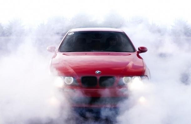 В Петербурге мошенники пытались продать арендованный BMW