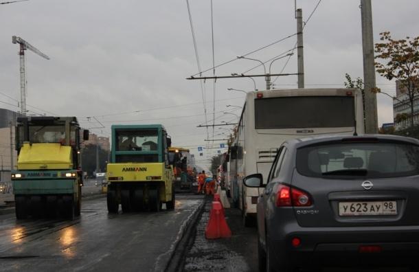 В 2015 году в Петербурге планируется потратить 3,37 млрд рублей на ремонт дорог