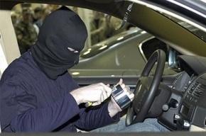 У сотрудника «Зенита» угнали машину за 1,8 млн рублей
