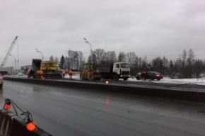 Очевидцы: на Московском шоссе укладывают асфальт прямо в снег