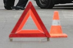 Водитель грузовика уснул за рулем и врезался сразу в восемь машин