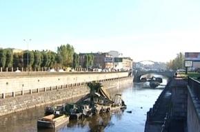 В Петербурге очистили две реки и канал