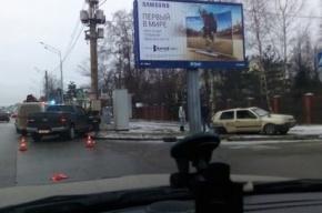 На Выборгском шоссе внедорожник влетел в столб