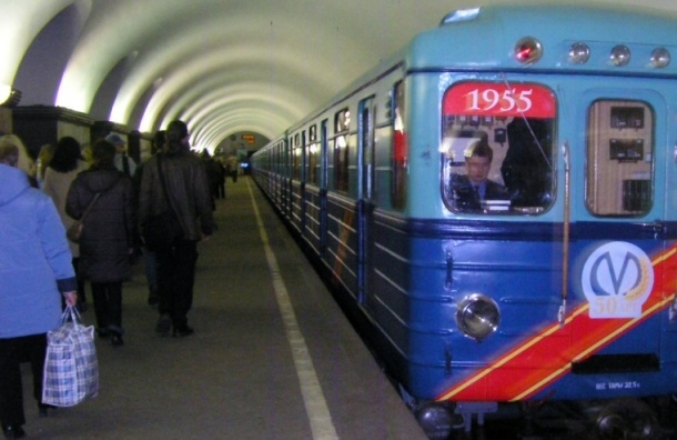 В новогоднюю ночь петербургское метро будет работать без перерыва