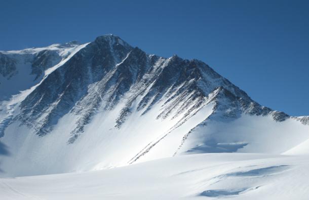 Депутаты-«единороссы», потерянные в Антарктиде, вышли на связь