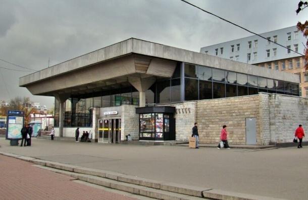 Станцию метро «Выборгская» закроют на капитальный ремонт с 7 февраля