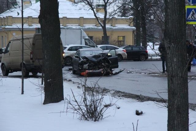 Авария на Стачек: Фото