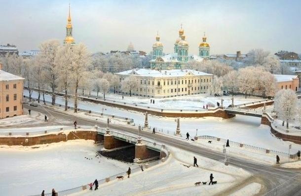 Сегодня в Северной столице ожидается потепление и снег
