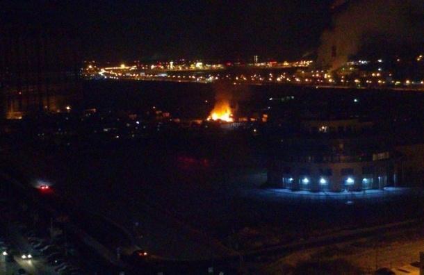 В Выборгском районе Петербурга горели бытовки