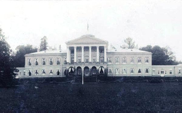 Ропшинский дворец в начале XX века