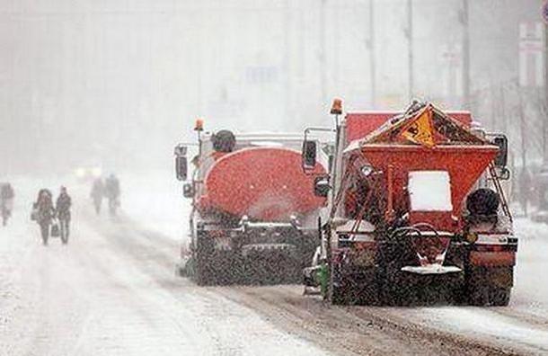 На улицы Петербурга высыпали почти 64 тысячи тонн соли с начала зимы