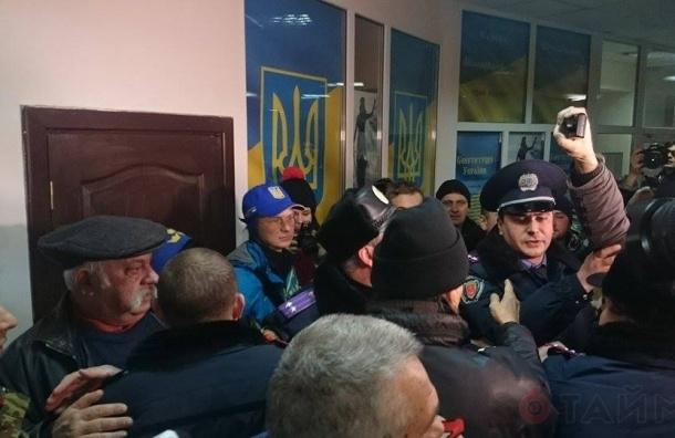 В Одессе на процессе о пожаре в Доме профсоюзов произошла потасовка