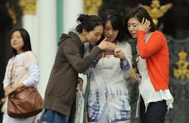 В Петербурге выпустили путеводитель-приложение для китайских туристов