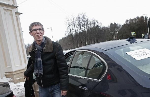 Актеру Алексею Панину устроят встречу с дочерью