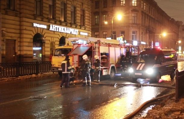 На улице Пестеля из горящей коммуналки эвакуировали четырех человек
