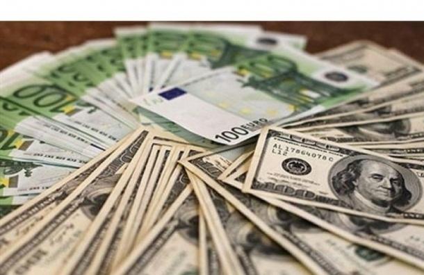 Биржевые курсы евро и доллара продолжили расти