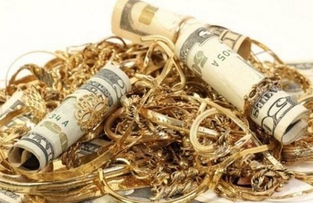 Грабители вынесли из квартиры чиновницы украшений и ценных вещей на 9 млн рублей