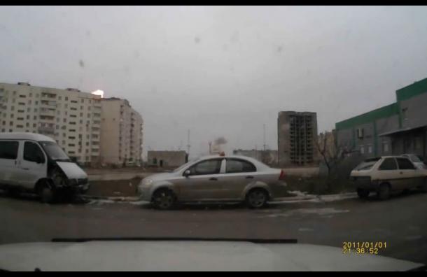 В сети появилась видеозапись обстрела Мариуполя
