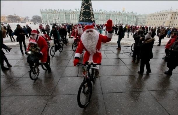 По Невскому проспекту проехались Деды Морозы и Снегурочки