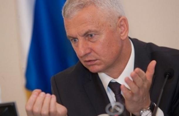 Глава Жилищного комитета отказался принимать участие во флешмобе по уборке снега
