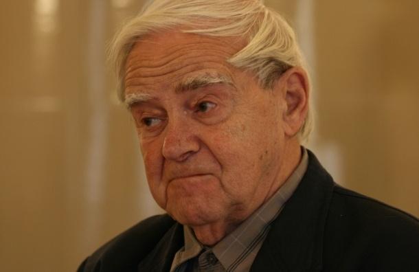 Даниил Гранин отмечает 96-й день рождения