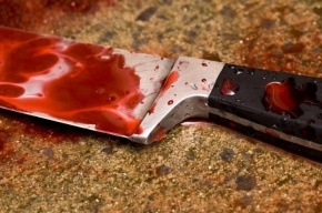 В Адмиралтейском районе подростка ударили ножом