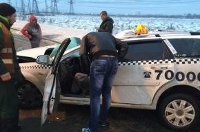 Очевидцы: в ДТП на Софийской водитель чудом остался жив