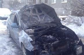 Несколько машин подожгли в Красном селе