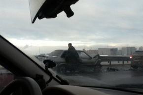Два автомобиля столкнулись на внутренней стороне КАД