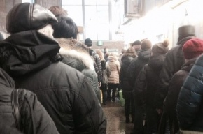 Ограничение на продажу жетонов в Петербургском метро прокуратура признала вынужденной мерой
