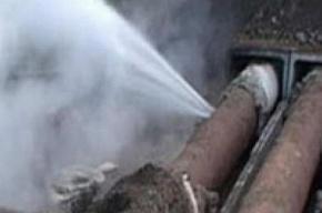 10 жилых домов остались без воды в Колпино