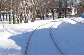 На железнодорожных путях в Рыбацком нашли труп мужчины