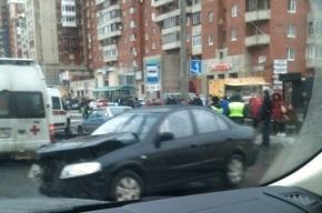 Автомобиль без номеров влетел в подземный переход на Савушкина