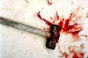 Невменяемая жительница Петербурга насмерть забила молотком своего брата