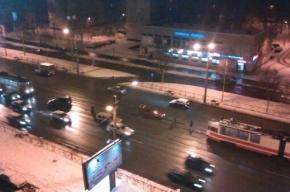 На Народной улице произошло ДТП на трамвайных путях