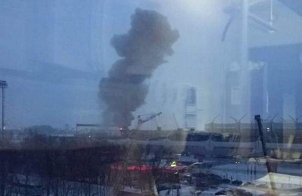 В Петербурге произошел пожар рядом со стройкой ЗСД