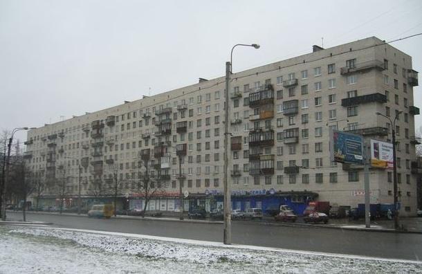 Два жителя Петербурга избили прохожего из-за замечания