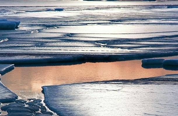 МЧС предупреждает: выход на лёд опасен