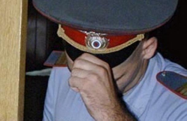 В вестибюле станции «Площадь Восстания» пассажир напал на полицейского