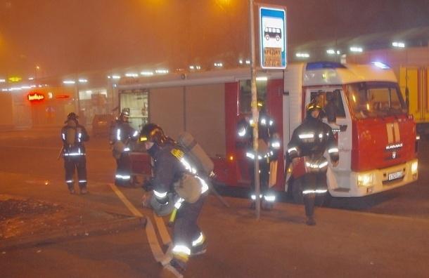 На станции Проспект Ветеранов пожарные тушили «условный» пожар