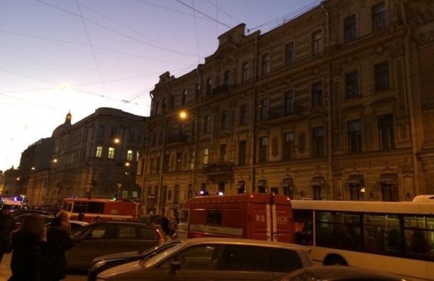 На Малой Морской тушат пожар в доме, где умер Чайковский