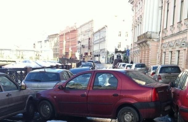 Из-за снегопада в Ленобласти и Петербурге погибло 12 человек